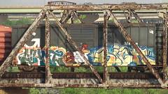 HUNT & SIGH (BLACK VOMIT) Tags: bridge car train graffiti ol box character south cartoon dirty richmond dos va sigh boxcar tunes looney mayhem dlr hunt ssp foghorn frieght leghorn ucme