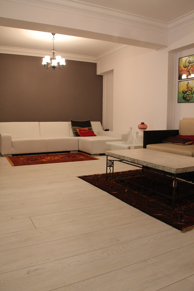 Laminate Flooring Completed by Evorich