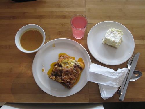 Vegetable soupe, Lasagna, lemonade, pineapple mousse square - $6