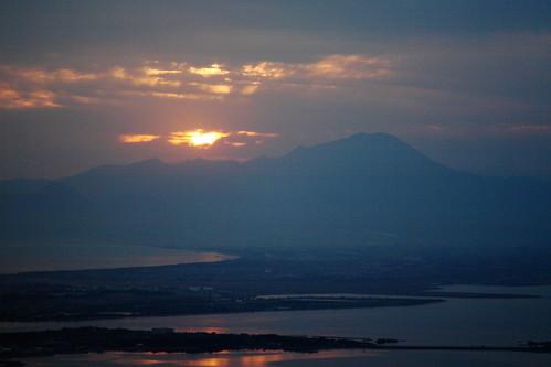 早朝の枕木山