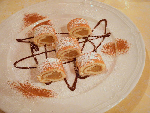 Sponge cake rolls with chestnut filling
