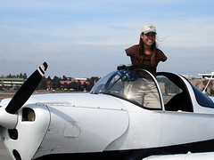 Getting into plane (alljects) Tags: armless pilot jessica cox woman without arms flying with feet motivational services aviation plane