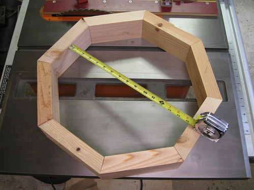 octagonal frame made of 2x4s