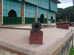 Cannon - Tippu Summer palace (Senthil-kumar) Tags: cannon tippusultan