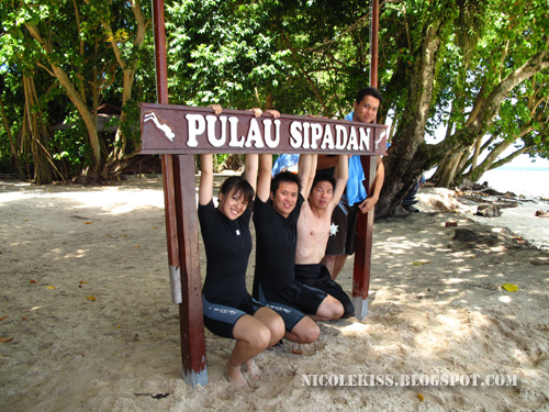 sipadan group photo