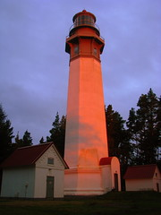 Grays Harbor Lighthouse, Westport, Washington (stephenandjes) Tags: lighthouse sunrise faro coast washington lighthouses pacific aberdeen olympic farol beacons westport peninsula phare vuurtoren pacificcoast washingtoncoast goldenhour leuchtturm oceanshores grayland graysharbor    westportlighthouse  washingtonlighthouses graysharborlighthouse bestofmywinners