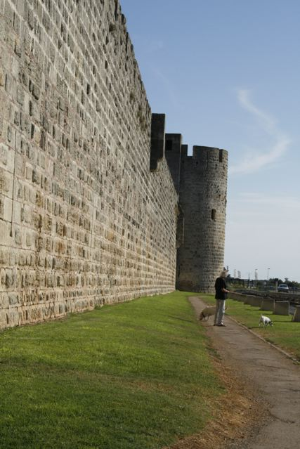 Aigues-mortes, le mura
