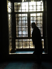 Man prays in Istanbul Mosque