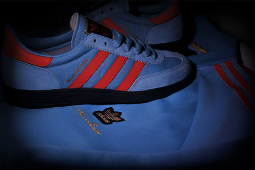 adidas-originals-size-manchester-city-pack