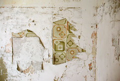 Exploration papier peint5 (karton_street_art) Tags: vintage exploration papier peint usine cole urbaine caserne veille reprage friche