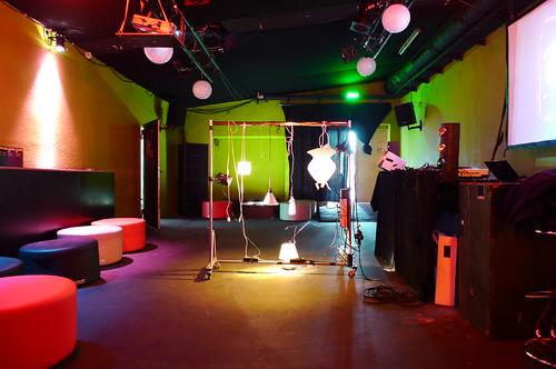 Küchenlampendisco zur Luminale im Tanzhaus West. April 2010