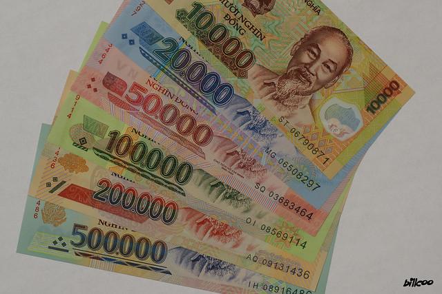Vietnam money 10,000 - 500,000 dong