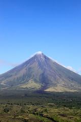 Mayon Volcano 6 (karlaredor) Tags: volcano philippines albay mayonvolcano