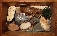 Day 86 (tekstur) Tags: stilllife shells me make person stones days jewellery to 100 better keithharing chewbacca barkingdog woodenbox māori heitiki a nycsubwaytoken 100daystomakemeabetterpersonproject