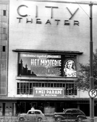 05-08-1947_01673 City Theater (IISG) Tags: auto city cinema film car amsterdam movie parking bioscoop verkeersbord parkeren may1 edgarwallace 1mei benvanmeerendonk