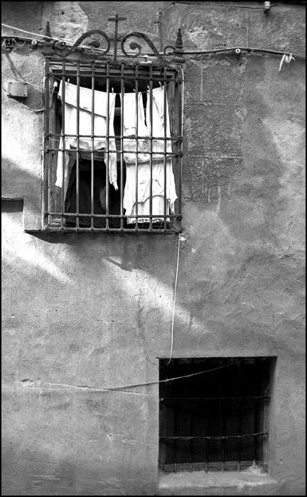 Ventana en Toledo en 1967. Fotografía de John Fyfe