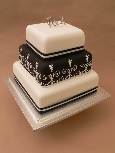 Black & White Wedding Cake por More Cake.