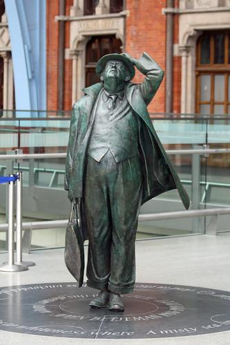 sculpture london statue stpancras johnbetjeman vogonpoetry canoneos450d
