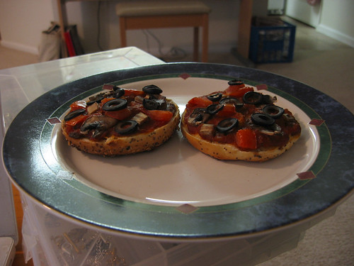 Vegan Bagel Pizza