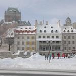 Québec: Le quartier Petit-Champlain en hiver, vu du fleuve