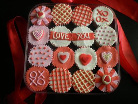 Ayu's Cakes - RM25 a set