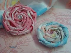 Softy flowers ♥ ♥ ♥ (*. ladybird .*) Tags: flower handmade pregadeira brooch flor craft fabric ladybird pearl pérola tecido