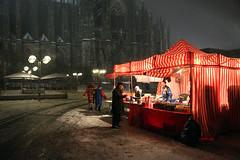 Rosenmontag (LichtEinfall) Tags: cathedral dom köln karneval kölnerdom bude rosenmontag raperre fas468budebo