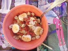 sunday breakfast; sesame almond (buttermilk*blue) Tags: pink breakfast yummy cinnamon sesame sunday banana oatmeal honey traderjoes almonds magazines oats goji teenvogue gojiberries pinkbowl sesamehoneyalmonds