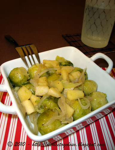 Cavoletti e mele alla cannella