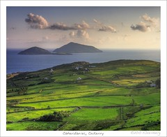 Deenish and Scariff Island (HaukeSteinberg.com) Tags: ireland sea green landscape island islands coast nationalpark published good country irland kerry best atlantic fields walls caherdaniel ire scariff nto derrynane derrynanenationalpark brickalleycafe irlgallery noshington titlerotate