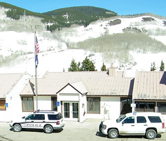 Crested Butte Colorado Police - Ford Explorer and (unmarked) Chevrolet Tahoe (coconv) Tags: city mountain ford chevrolet colorado butte 4x4 explorer tahoe police mount cop vehicle sheriff squad emergency crested patrol pursuit gunnison unmarked