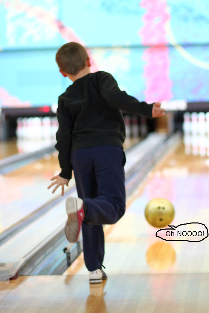 bowling toes 099x