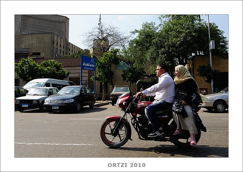 En taxi por Cairo by Ortzi Omeñaka