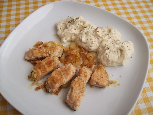 Salteado de salmón y coco