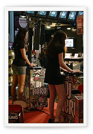 Soirée pour le lancement de DJ Hero