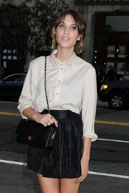 Preppie_-_Alexa_Chung_at_The_Cinema_Society_and_Hugo_Boss_screening_of_Inglourious_Basterds_-_August_17_2009_746