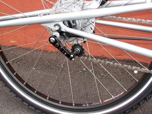 Xtracycle chain tensioner with Nexus hub