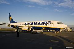 Ryanair - Aeroporto de Beauvais (rbpdesigner) Tags: paris france slr canon airport eu