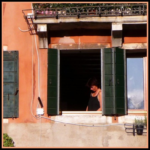 una donna a  Venezia