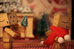 Danbo's gift exchange (The Dolly Mama) Tags: christmas toys japanese danbo danboard reveltech exploredec2009