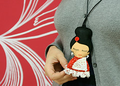 Spanish Neck lace doll, at Hanahou gallery, Luv-able&Hug-able 2009 (Eloole) Tags: nyc necklace doll felt plush spanish hanahou