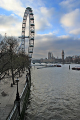 "London Eye • <a style=""font-size:0.8em;"" href=""http://www.flickr.com/photos/45090765@N05/4256719086/"" target=""_blank"">View on Flickr</a>"