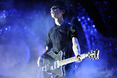 Nick Zinner (Toni Francois) Tags: show music rock concert guitar live player yeahyeahyeahs nickzinner lastfm:event=1304185