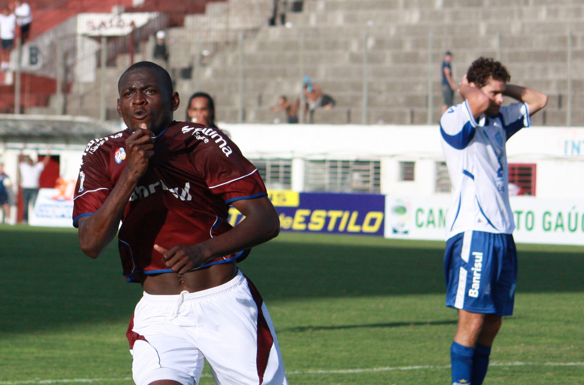Borja garantiu a vitória do Caxias nos acréscimo. Crédito: Caxias, Divulgação