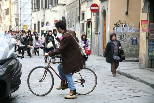 Guitarist on a bike :: Santa Croce