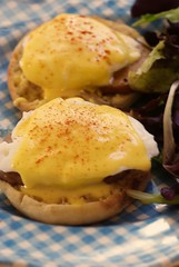 Homemade Eggs Benedict (bunbunlife) Tags: breakfast bacon yummy sauce egg canadian gingham homemade eggs hollandaise poached benedict