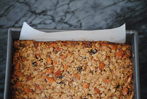 homemade-chewy-granola-bars (4)