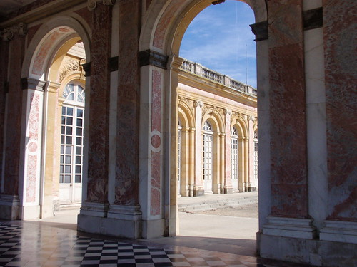 Grand Trianon arches 2