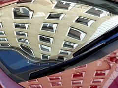 Reflejos sobre un coche/Reflections on a car (Joe Lomas) Tags: madrid leica espaa distortion glass reflections spain cristal reflejos distorsion photostakenwithaleica leicaphoto