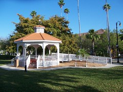 bandstand in a Venice FL park (by: Kari Battaglia, Venice Area Homes blog)